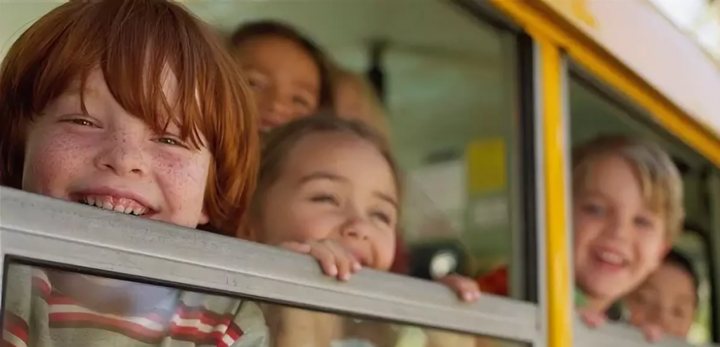 deti_v_avtobuse